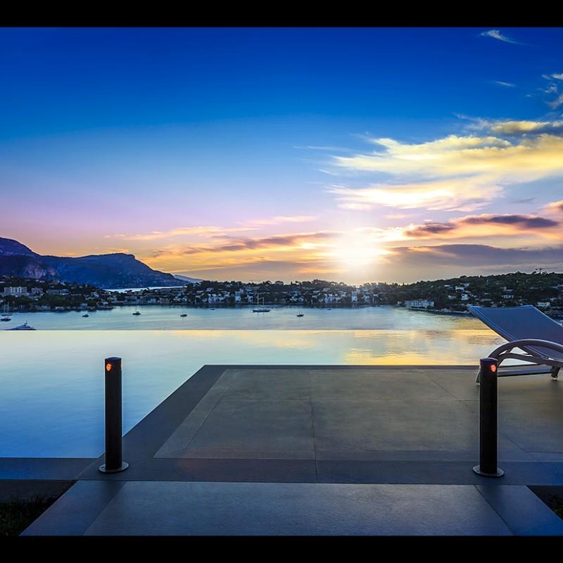Coucher du soleil sur la french riviera dans une villa - Coucher avec une star du x ...