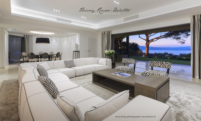 tuto comment ter des magazines et des classeurs sous une table basse sous photoshop cc. Black Bedroom Furniture Sets. Home Design Ideas